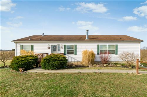 Photo of 6193 Branch Circle Road, Zanesville, OH 43701 (MLS # 220001795)