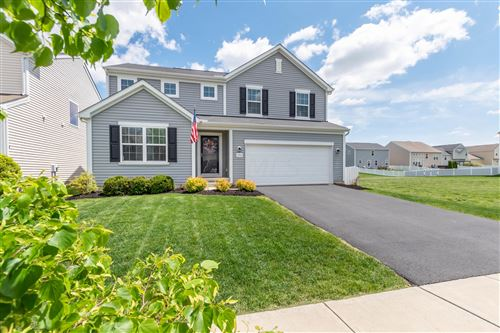 Photo of 270 Cloverhill Drive, Galloway, OH 43119 (MLS # 221014814)