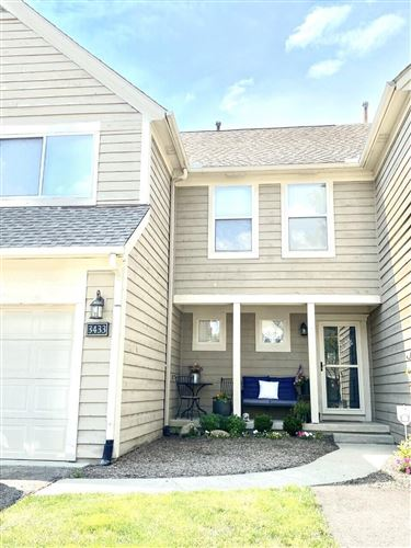 Photo of 3433 Eastwoodlands Trail, Hilliard, OH 43026 (MLS # 221027814)