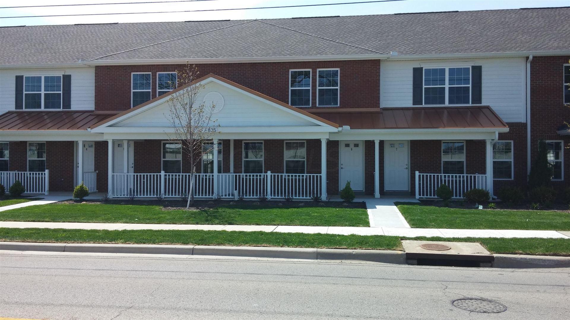 Photo of 835 Proprietors Road #Apt 8, Worthington, OH 43085 (MLS # 221027816)