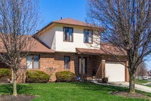 Photo of 3201 Parkview Circle, Grove City, OH 43123 (MLS # 221014819)