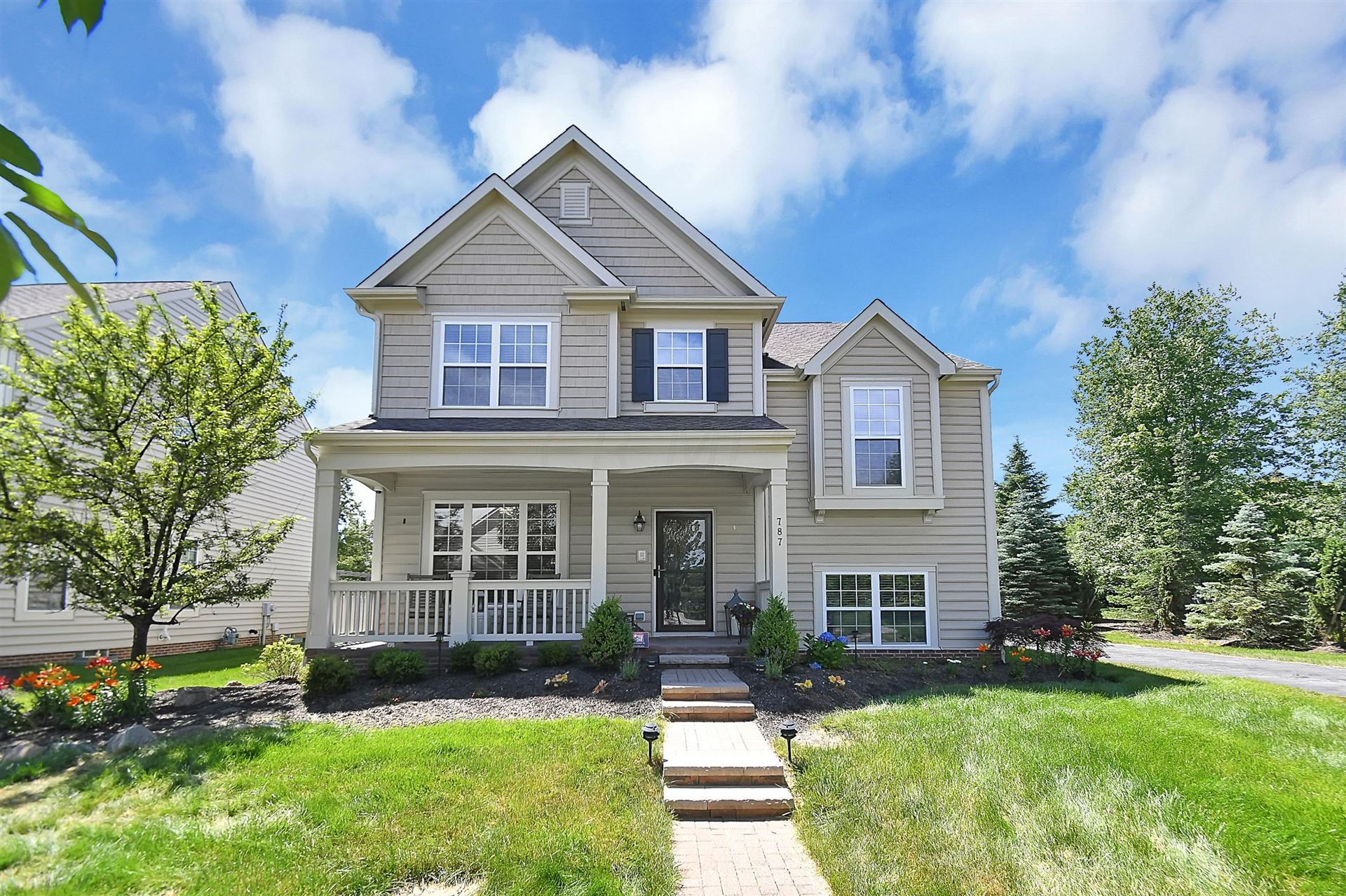Photo of 787 Paddlecreek Drive, Westerville, OH 43082 (MLS # 221021820)