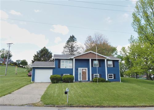 Photo of 109 Whittier Drive N, Lancaster, OH 43130 (MLS # 221015847)