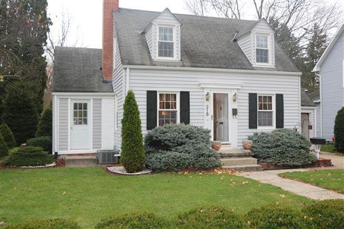 Photo of 215 Pine Street, Mount Vernon, OH 43050 (MLS # 220038855)