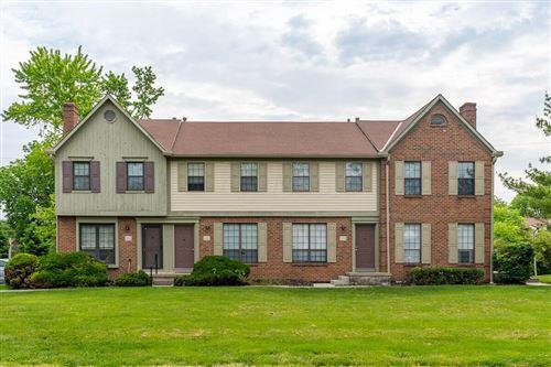 Photo of 5298 Brandy Oaks Lane, Columbus, OH 43220 (MLS # 221037859)