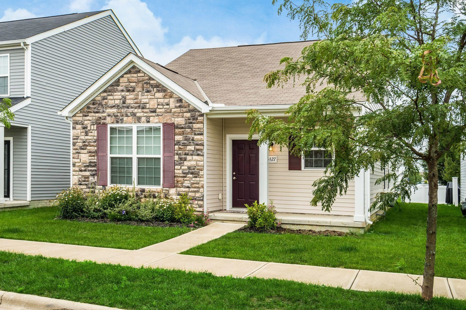 Photo of 5527 Eagle River Drive, Dublin, OH 43016 (MLS # 221027864)