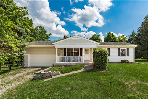 Photo of 25 E Cuyuga Drive, Powell, OH 43065 (MLS # 220022865)
