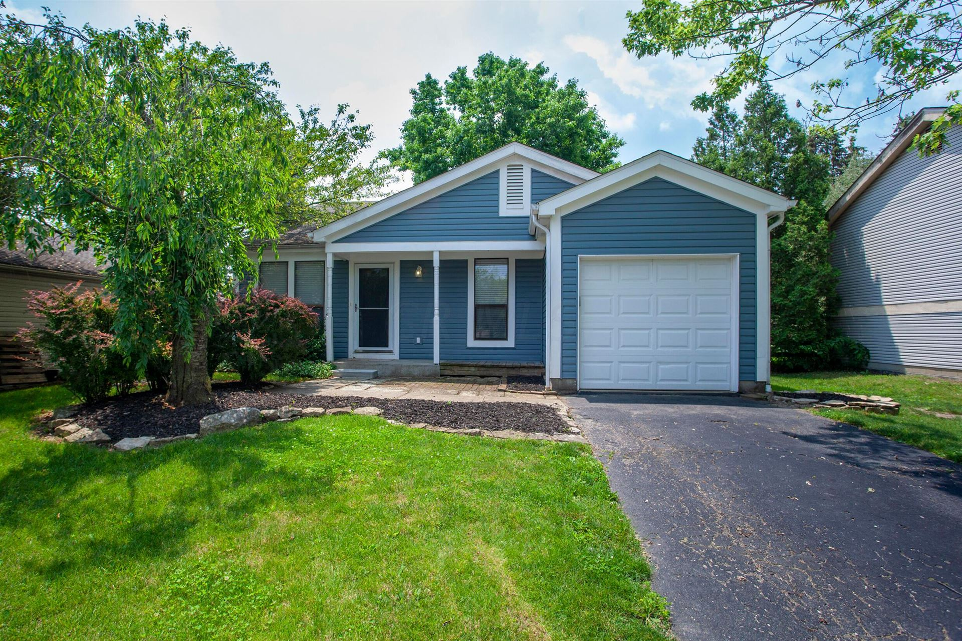 Photo for 3071 Curtis Knoll Drive, Dublin, OH 43017 (MLS # 221020867)