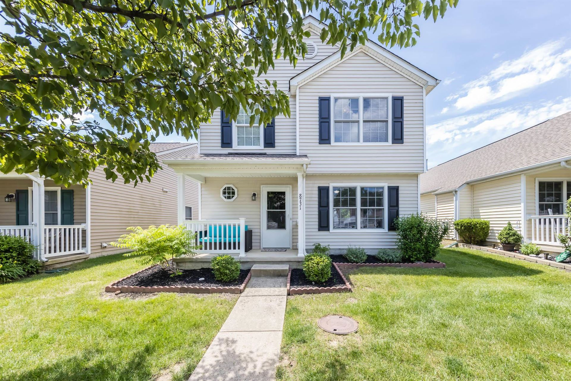 Photo for 8731 Arrowtip Lane, Lewis Center, OH 43035 (MLS # 221020872)