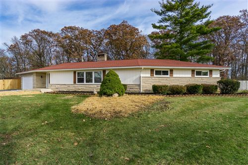 Photo of 2390 Valencia Court, Galloway, OH 43119 (MLS # 219043877)