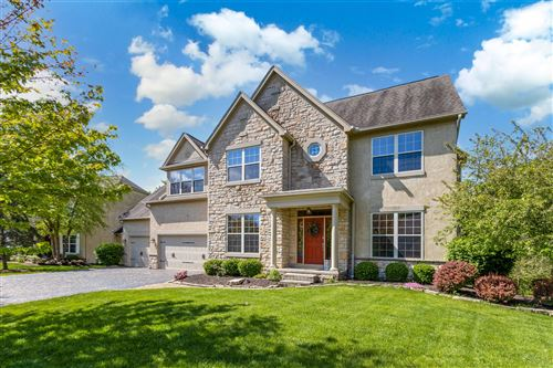 Photo of 3198 Abbey Knoll Drive, Lewis Center, OH 43035 (MLS # 221013887)