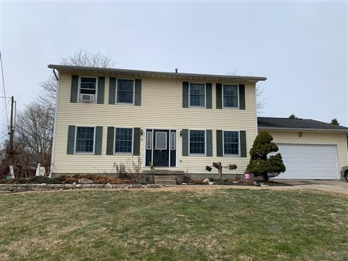 Photo of 24 Bancroft Place, Hebron, OH 43025 (MLS # 221002891)