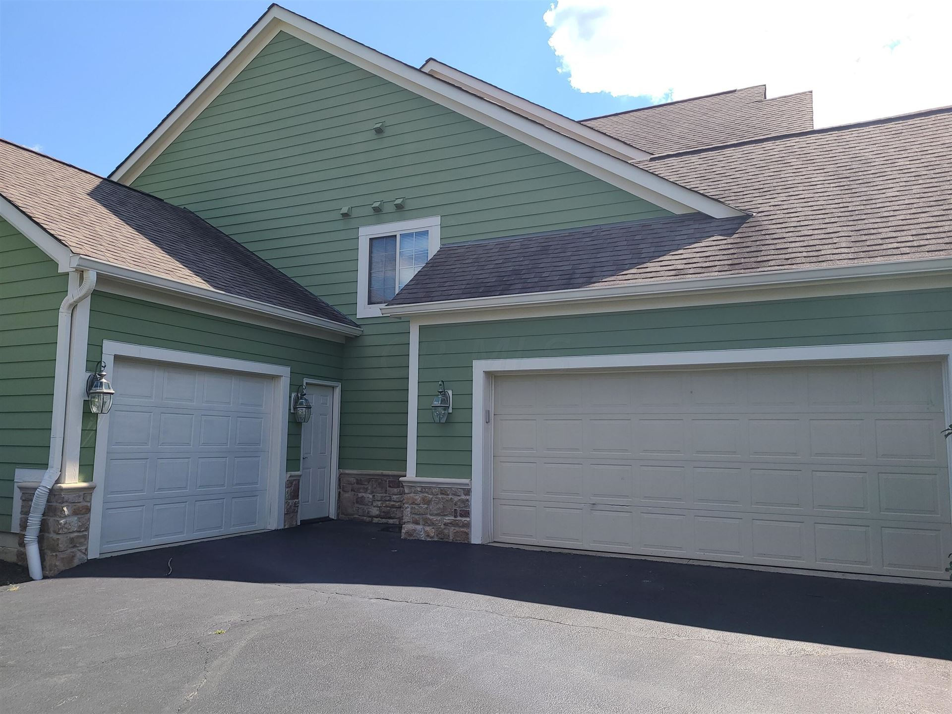 Photo of 2503 Bay Harbor Drive, Galena, OH 43021 (MLS # 221034895)