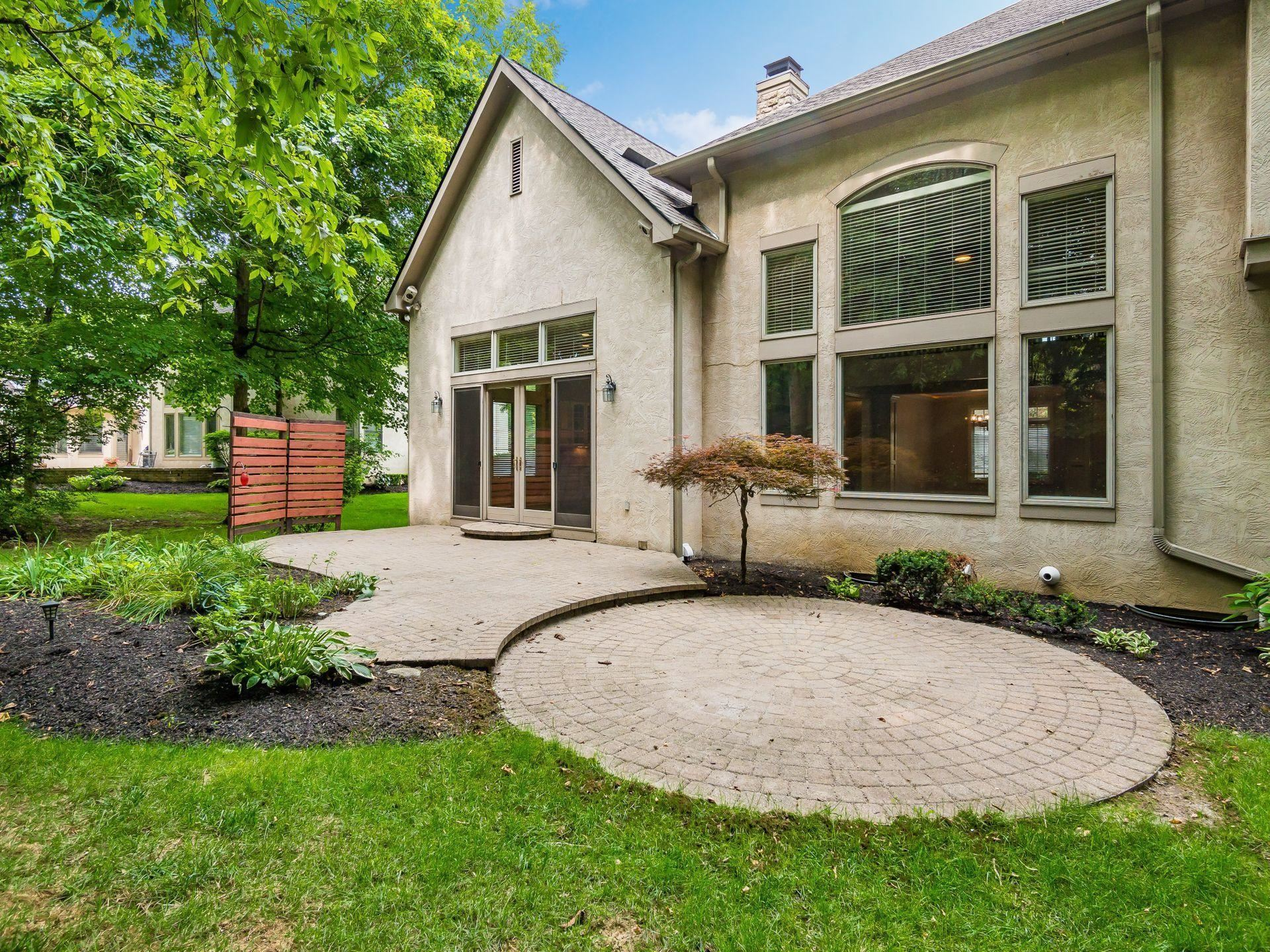 Photo of 5187 Canterbury Drive, Powell, OH 43065 (MLS # 221027900)