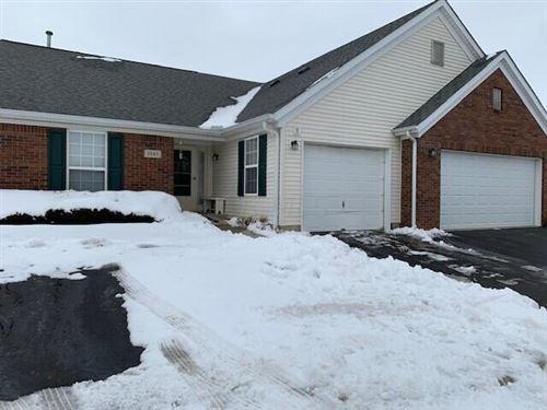 Photo of 1043 Oak Bay Drive, Galloway, OH 43119 (MLS # 221004908)