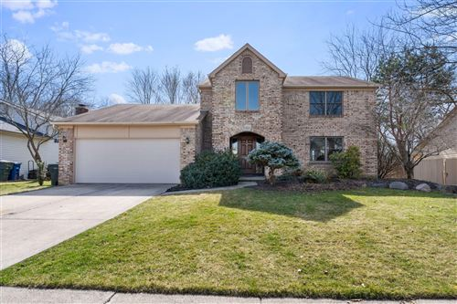 Photo of 5523 Wolf Run Drive, Columbus, OH 43230 (MLS # 221007919)