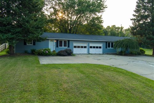 Photo of 1703 1705 Beal Road, Mansfield, OH 44903 (MLS # 221028937)