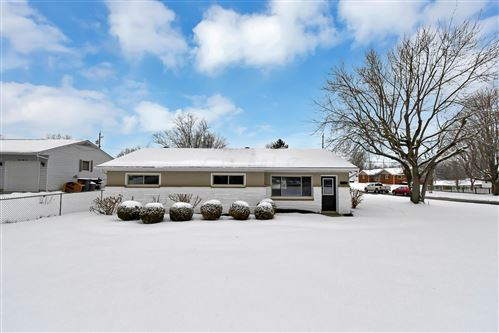 Photo of 340 W Coshocton Street, Johnstown, OH 43031 (MLS # 221003946)