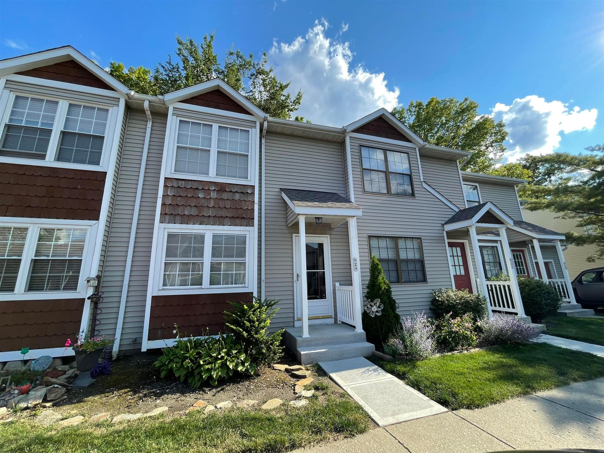 Photo of 923 Noddymill Lane E #35D, Worthington, OH 43085 (MLS # 221029946)