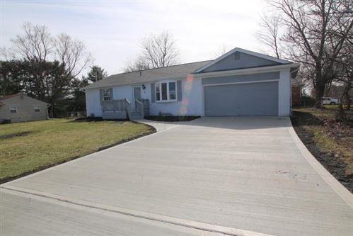 Photo of 5 Middleview Drive, Sunbury, OH 43074 (MLS # 220007949)