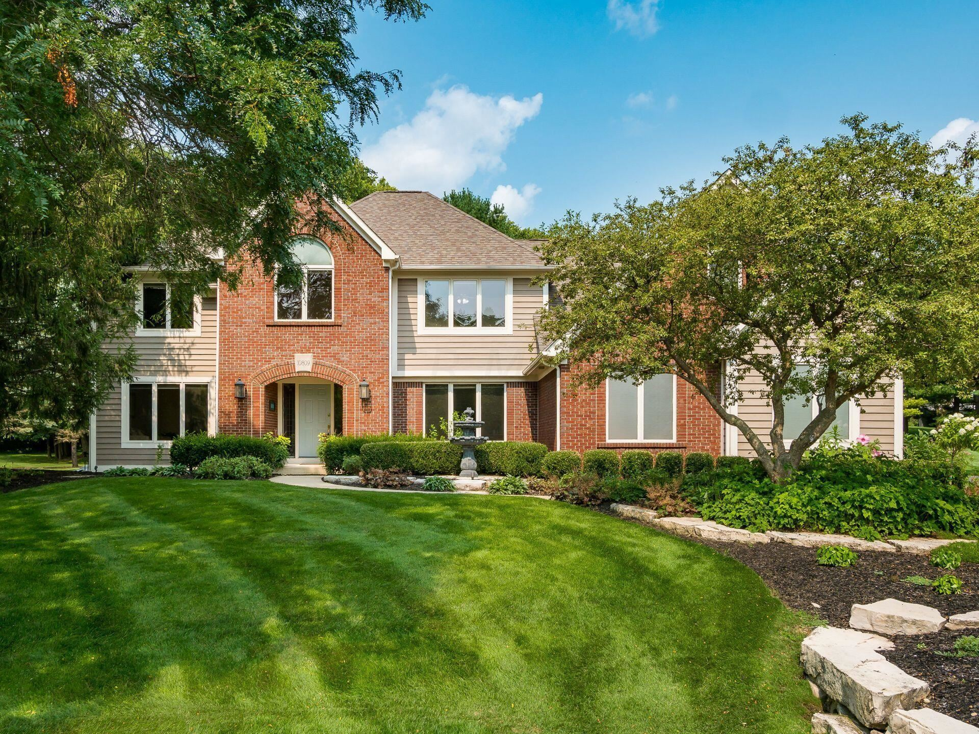 Photo of 10809 Buckingham Place, Powell, OH 43065 (MLS # 221028957)
