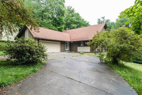 Photo of 611 Deer Trail Drive, Thornville, OH 43076 (MLS # 221020971)