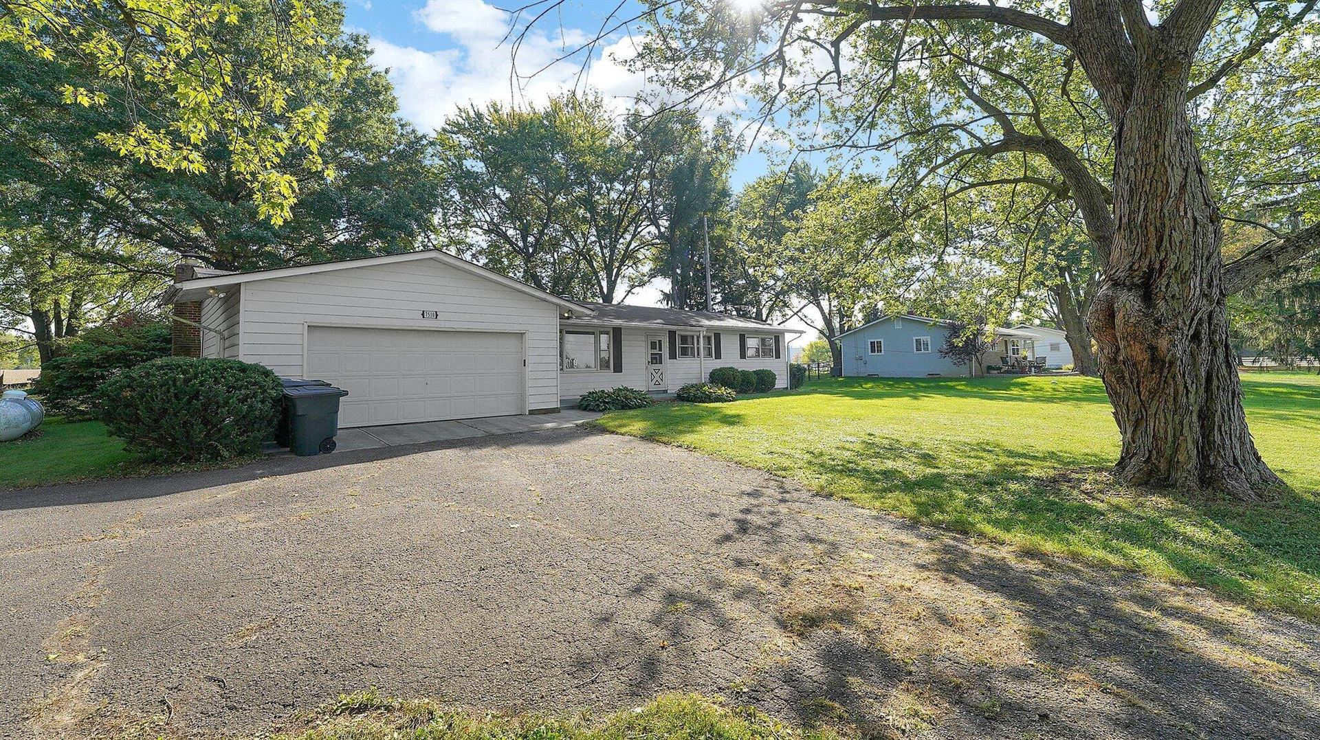 Photo of 7510 New Albany Condit Road, New Albany, OH 43054 (MLS # 221040974)