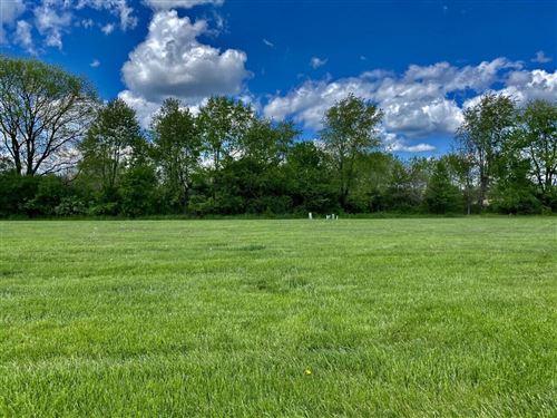 Photo of 960 Northbrook Court, Heath, OH 43056 (MLS # 221014975)