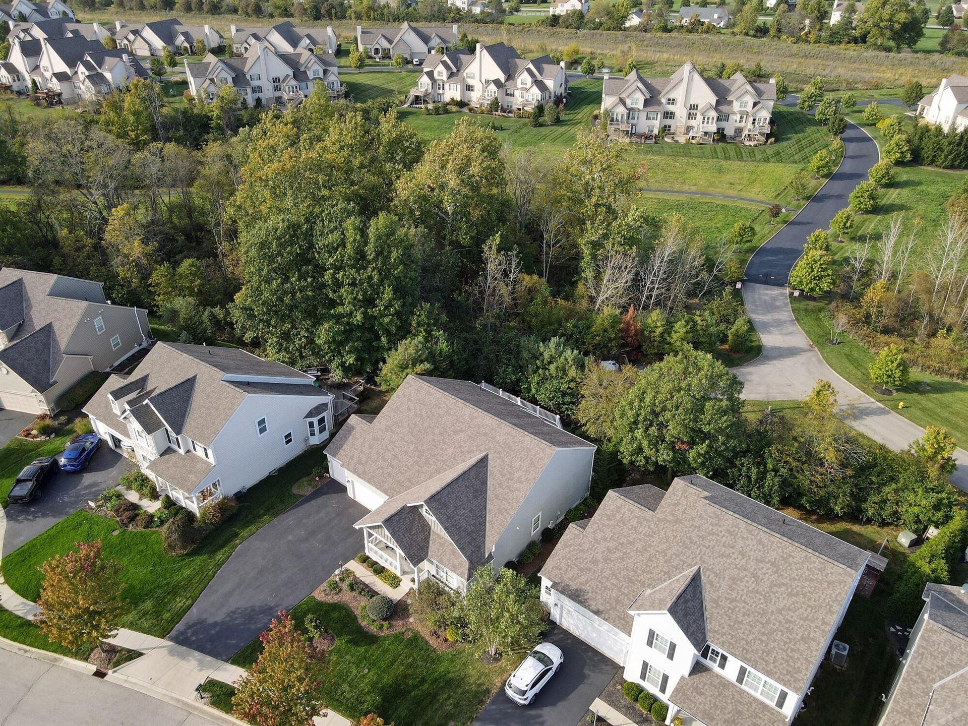Photo of 4818 Pleasant Creek Court, Powell, OH 43065 (MLS # 221040976)