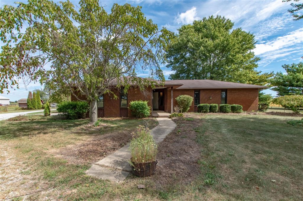 Photo for 4675 Taylor Blair Road, London, OH 43140 (MLS # 219028983)