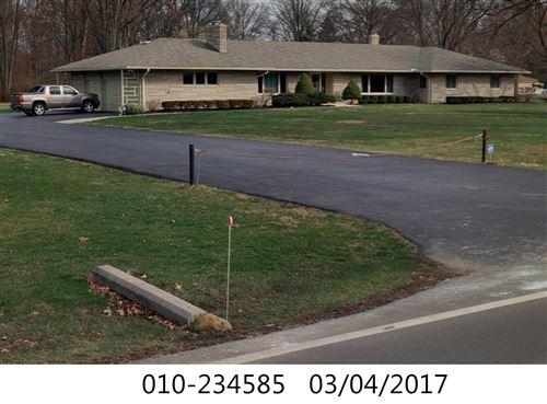 Photo of 1180 E Cooke Road, Columbus, OH 43224 (MLS # 221007988)