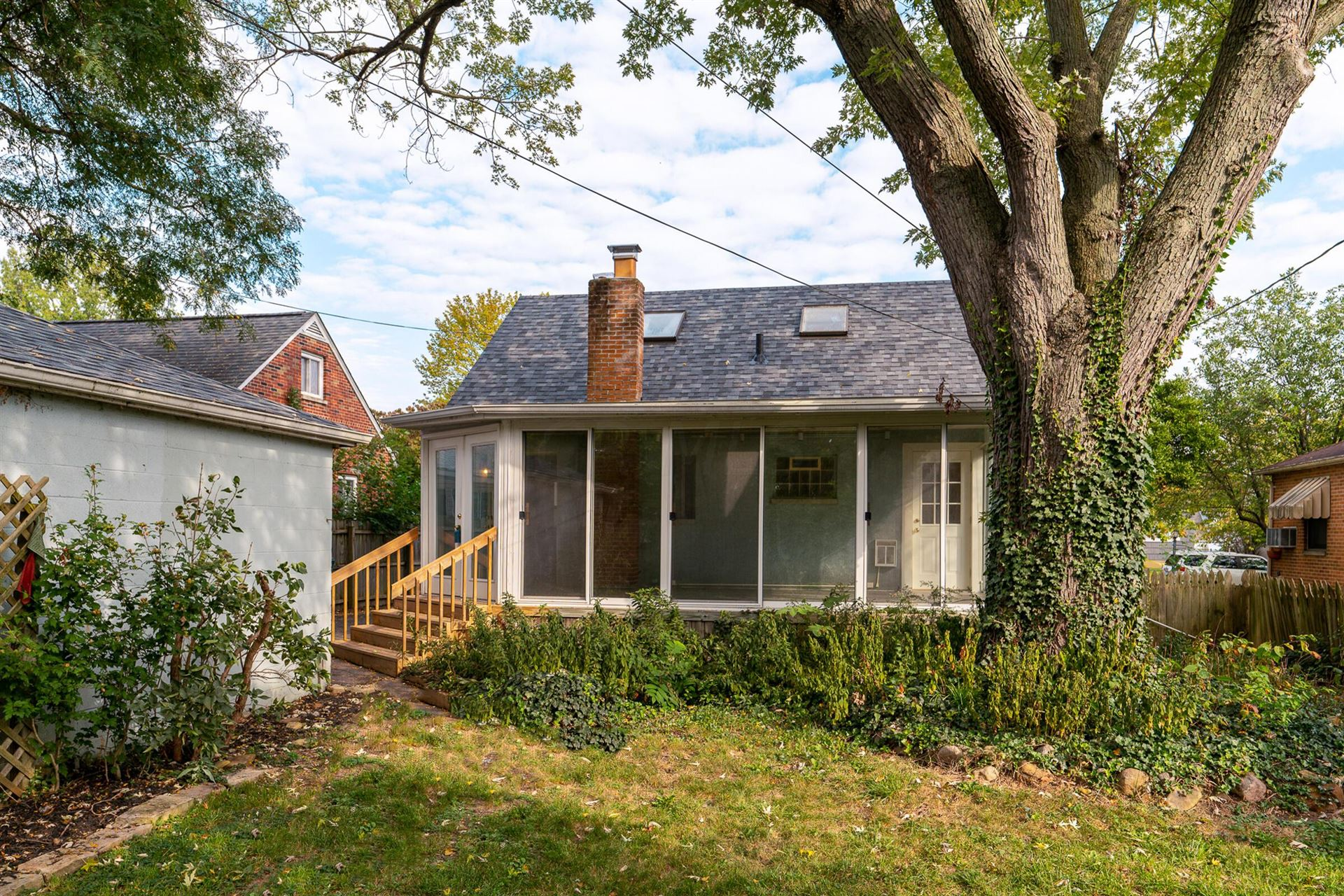 Photo of 2885 East Moreland Drive, Columbus, OH 43209 (MLS # 221040992)