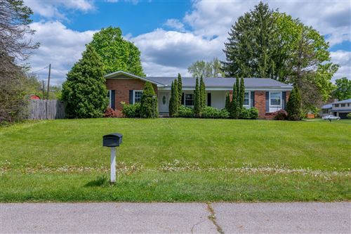 Photo of 806 Breezedale Place, Columbus, OH 43213 (MLS # 221013998)