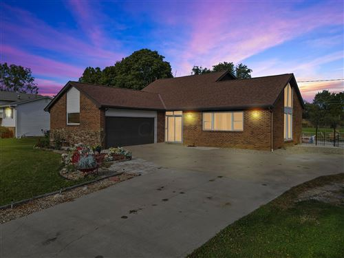 Photo of 1026 Alton Darby Creek Road, Galloway, OH 43119 (MLS # 221040998)