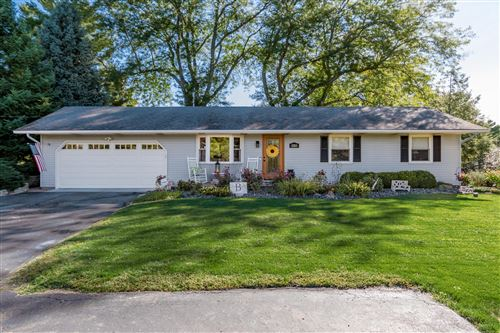 Photo of 8269 Somerset Road, Thornville, OH 43076 (MLS # 220040999)