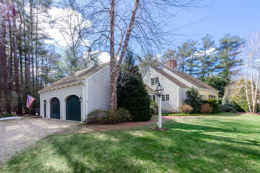 Photo of 6 Briggs Ln Court, Marion, MA 02738 (MLS # 22101094)