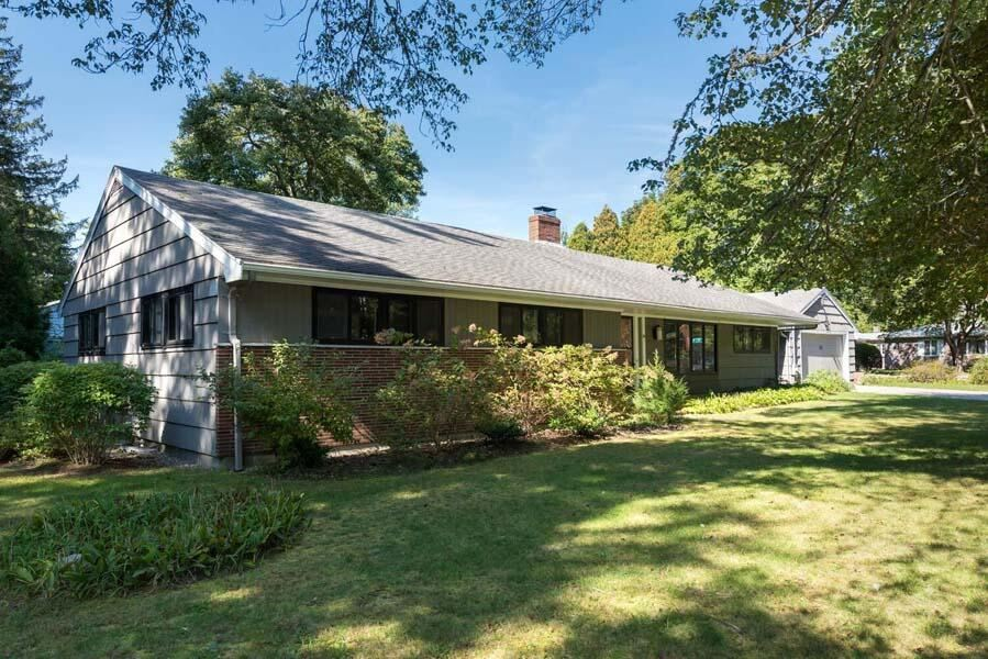 Photo of 102 Front Street, Marion, MA 02738 (MLS # 22106150)