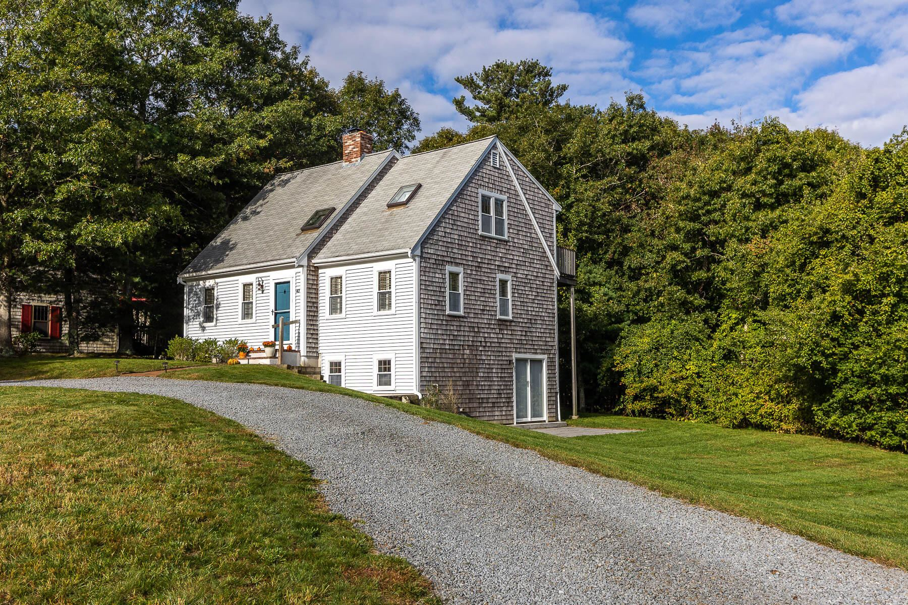 Photo of 40 Gunstock Road, Osterville, MA 02655 (MLS # 22106287)