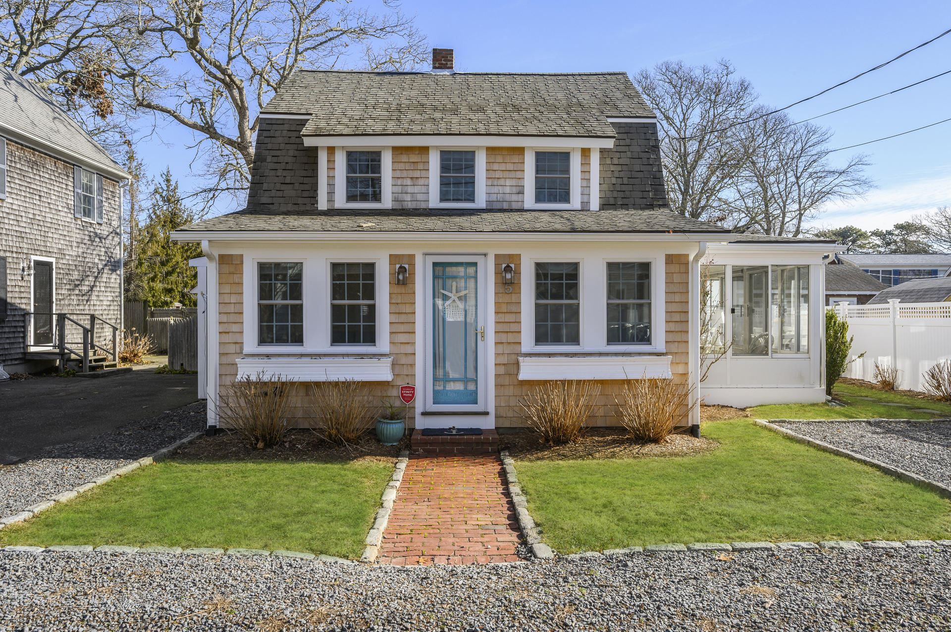 5 Essex Place, Harwich Port, MA 02646 - #: 22000500