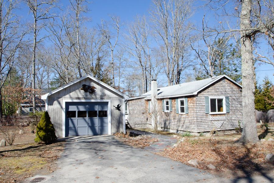 Photo of 9 Wilson Road, Marion, MA 02738 (MLS # 22001509)