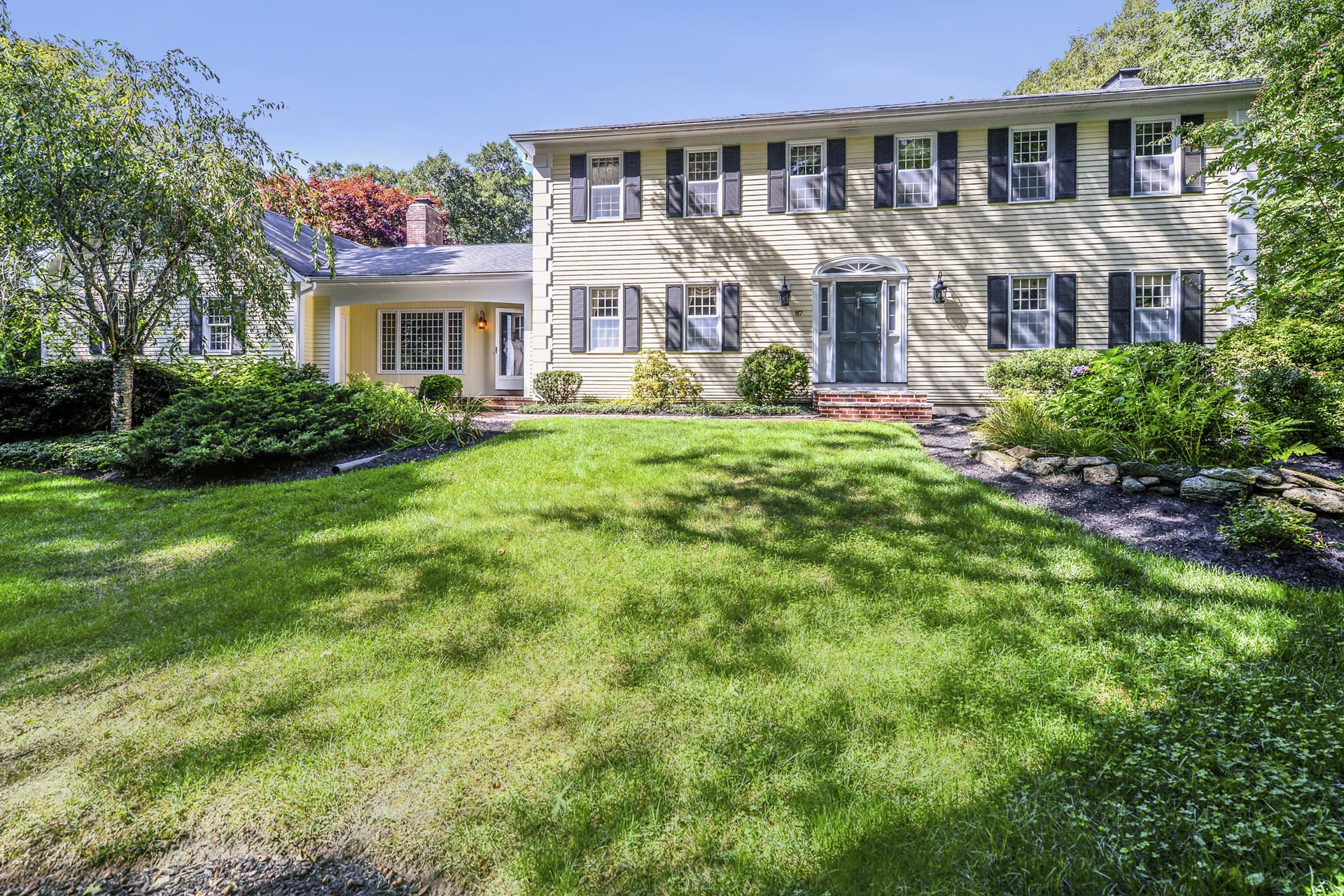 Photo of 87 Olde Knoll Road, Marion, MA 02738 (MLS # 22001626)