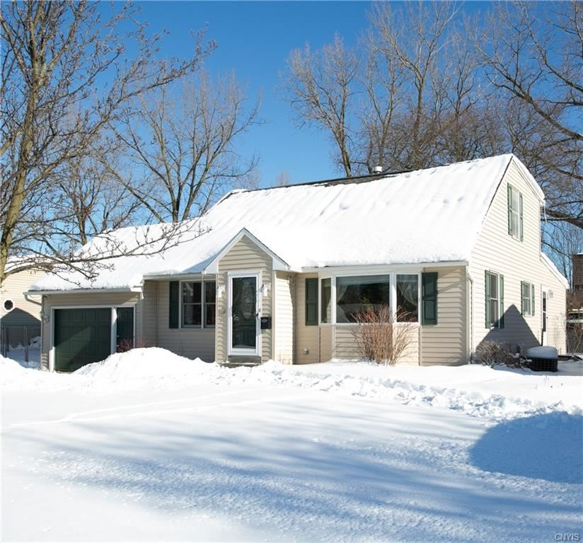 204 Valley Road, Liverpool, NY 13088 - MLS#: S1318027