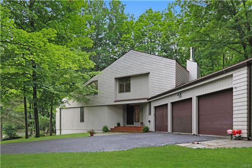 Photo of 5413 Springview Dr, Fayetteville, NY 13066 (MLS # S1350033)