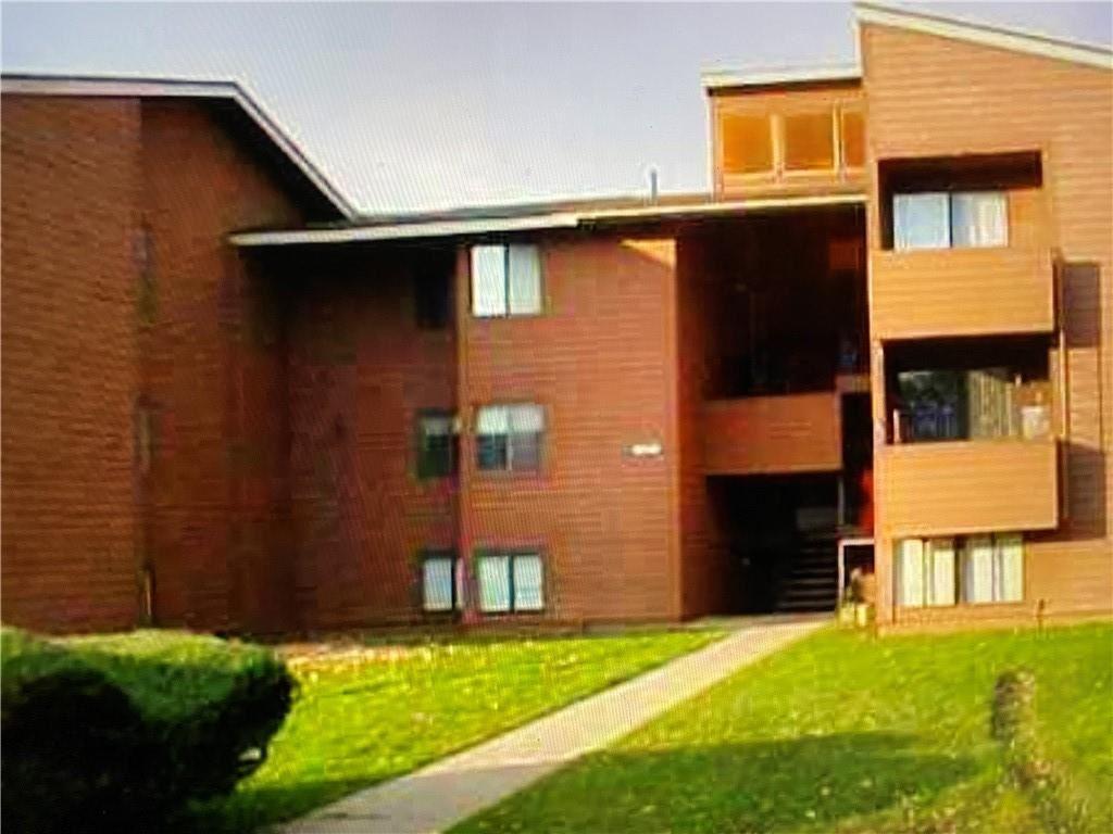 330 Village Boulevard N, Baldwinsville, NY 13027 - #: R1300040