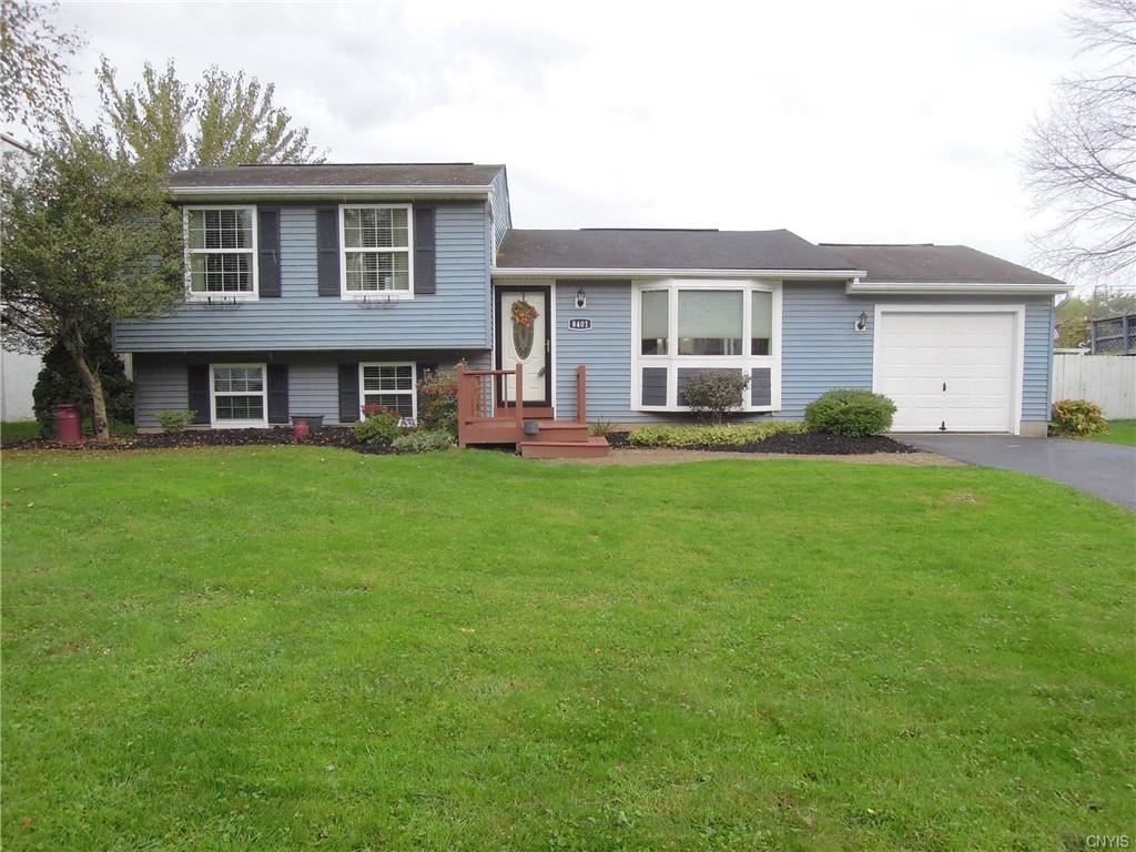 8401 Warbler Way, Liverpool, NY 13090 - #: S1374143