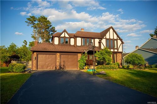 Photo of 21 Tanglewood Dr, Lancaster, NY 14086 (MLS # B1276145)