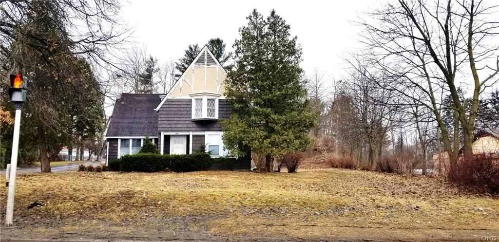 8570 Seneca Turnpike, New Hartford, NY 13413 - MLS#: S1177166