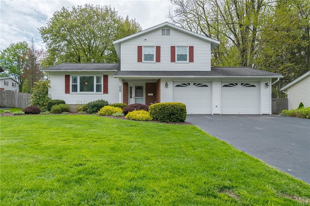 4060 Ensign Drive, Liverpool, NY 13090 - #: S1331172
