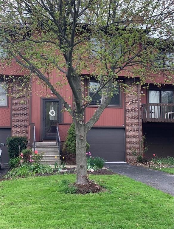 48 Broxbourne Drive, Fairport, NY 14450 - MLS#: R1372176