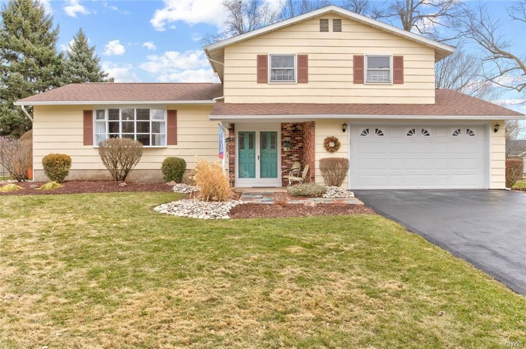 4234 Fireside Drive, Liverpool, NY 13090 - #: S1324197